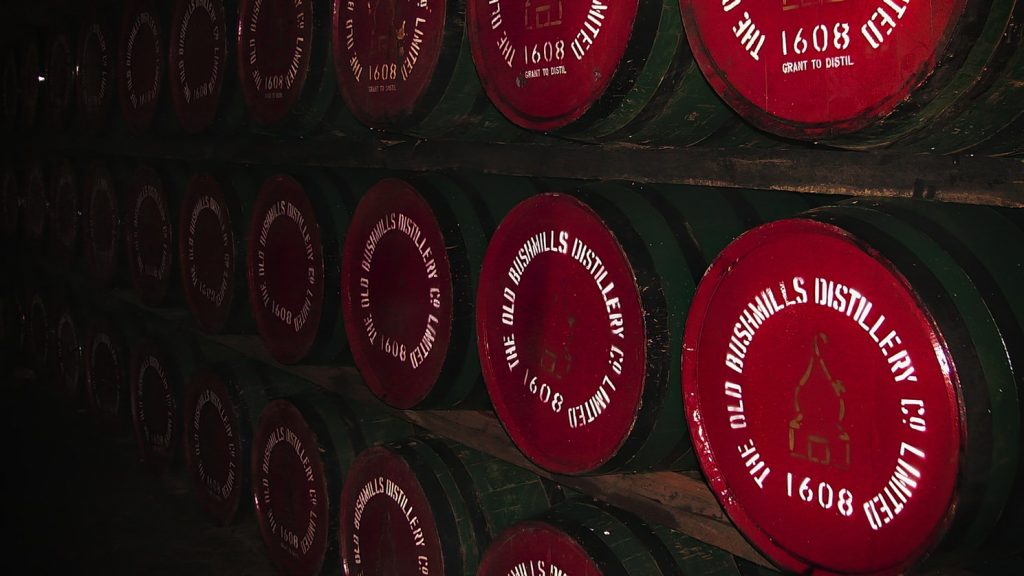 Fûts de chêne pour le vieillissement du whisky