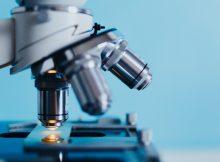 Microscope de précision